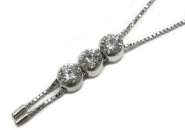 3ストーン ダイヤモンドネックレス